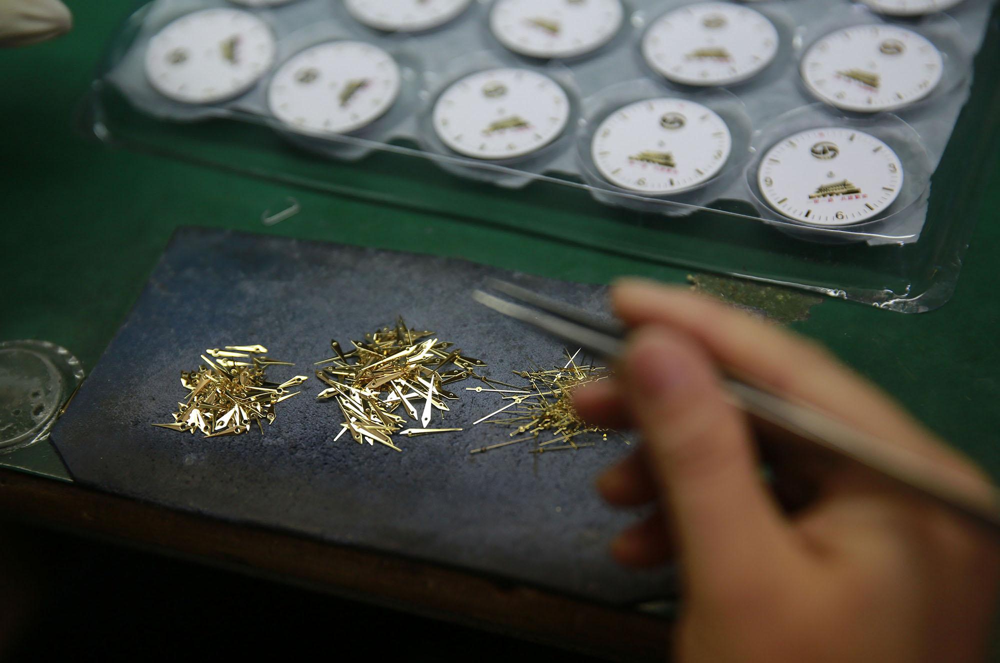 中国制造手表走红东南亚 背后原因是这样